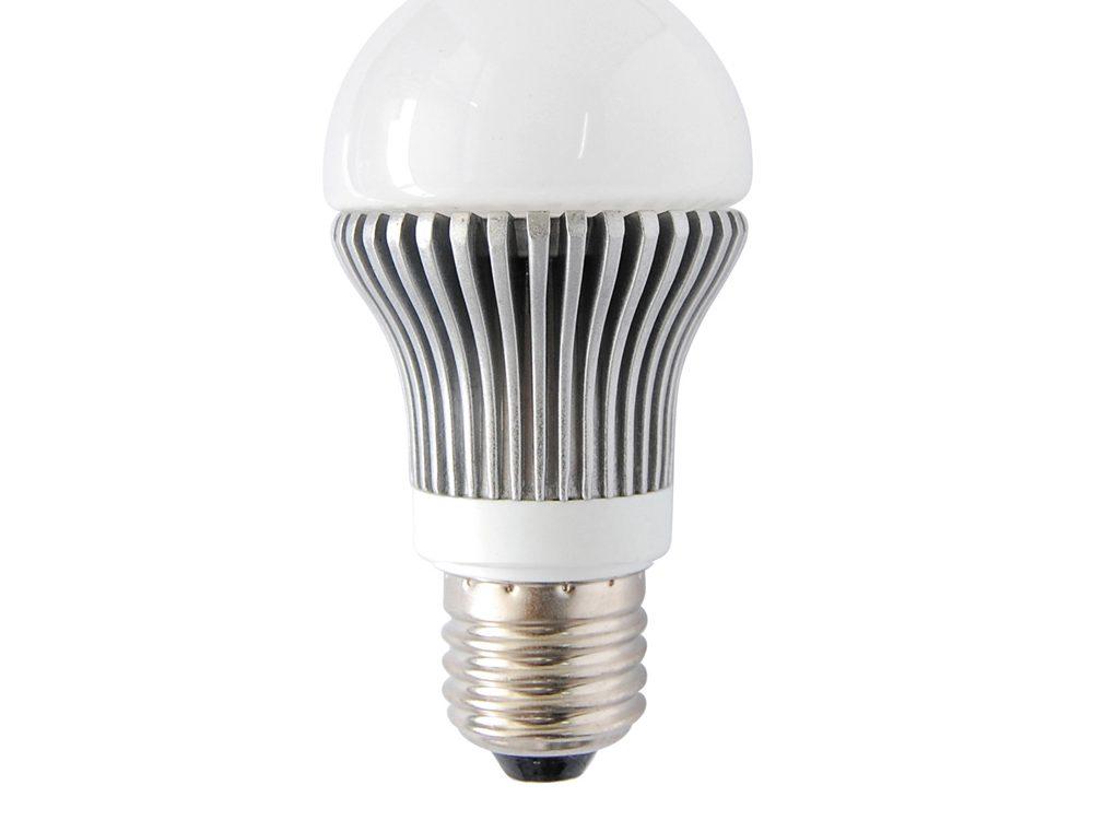 l 39 ampoule led est il l 39 clairage cologique de demain. Black Bedroom Furniture Sets. Home Design Ideas