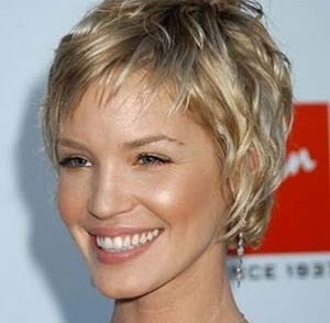 coupe de cheveux courte femme 50 ans