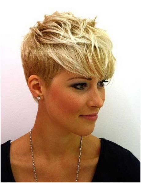 coupes cheveux courts femme